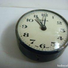 Despertadores antiguos: RELOJ DESPERTADOR MARCA SWIZA ( NO FUNCIONANDO ) PARA ARREGLAR O PARA PIEZAS. Lote 174035620