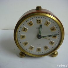 Despertadores antiguos: RELOJ DESPERTADOR MARCA TITAN ( NO FUNCIONANDO ) PARA ARREGLAR O PARA PIEZAS. Lote 174035752