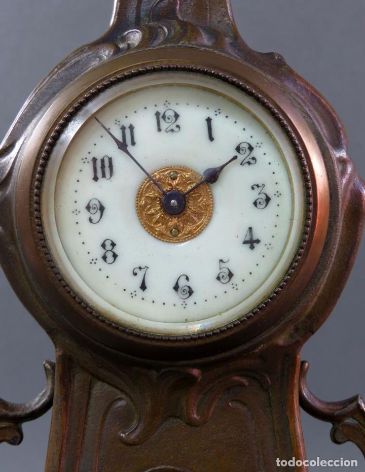 Despertadores antiguos: Reloj despertador Art Nouveau en calamina con sus llaves funciona hacia 1910 - Foto 3 - 175570067