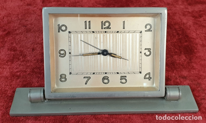 RELOJ DESPERTADOR DE SOBREMESA. METAL. MAQUINARIA FRANCESA. CIRCA 1960. (Relojes - Relojes Despertadores)