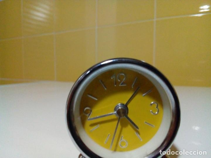 Despertadores antiguos: reloj miniatura despertador - Foto 5 - 177089293
