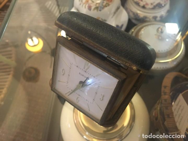 Despertadores antiguos: Reloj despertador de viaje EUROPA de doble tapa color negro y numeración dorada - Foto 5 - 102799890