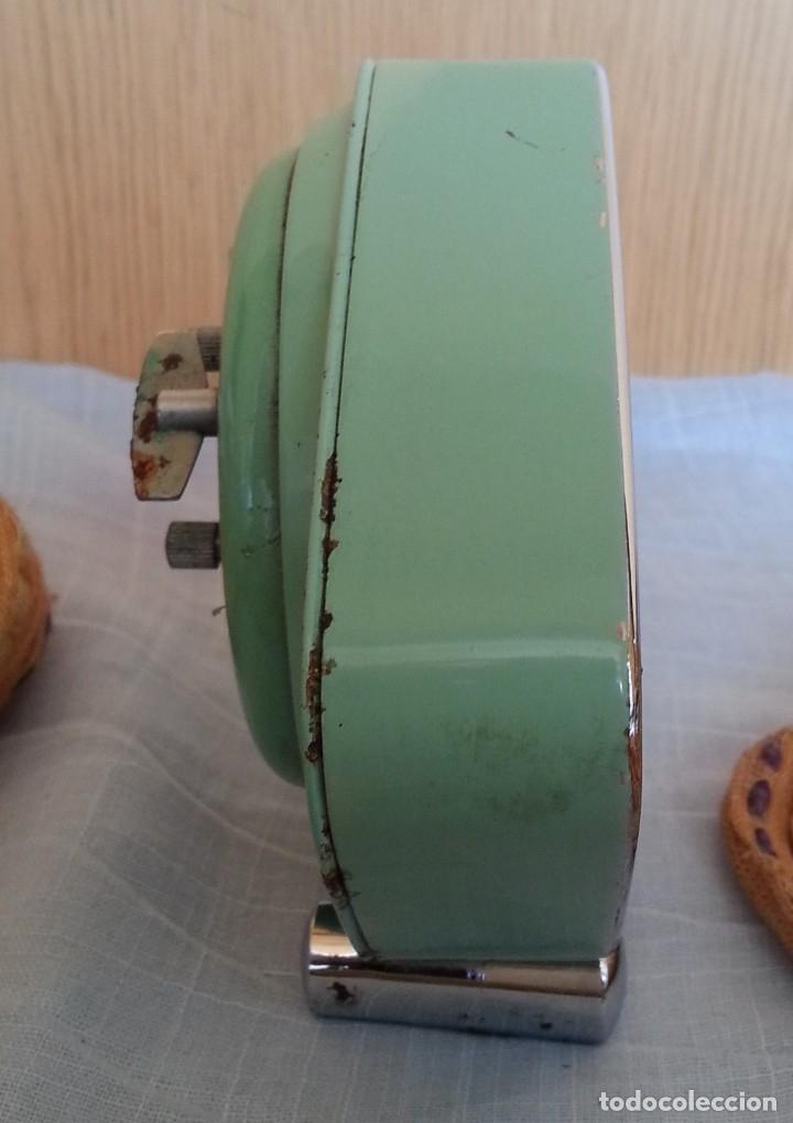 Despertadores antiguos: Reloj despertador. Marca Polaris. Años 80 - Foto 3 - 178963508