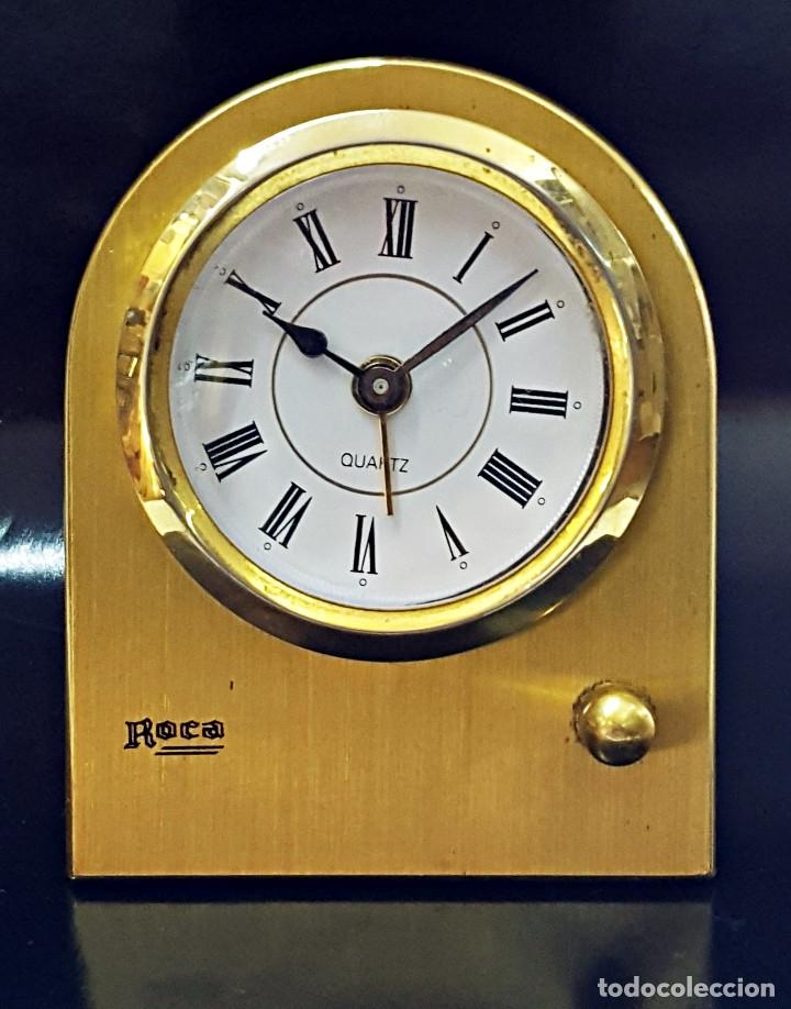 ANTIGUO RELOJ DESPERTADOR DORADO Y DE METAL. (Relojes - Relojes Despertadores)