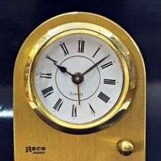 Despertadores antiguos: ANTIGUO RELOJ DESPERTADOR DORADO Y DE METAL.. Lote 179538415