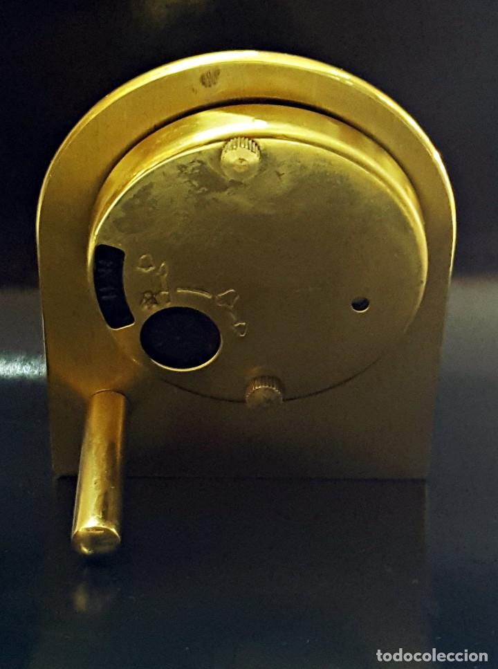 Despertadores antiguos: Antiguo Reloj despertador dorado y de metal. - Foto 3 - 179538415