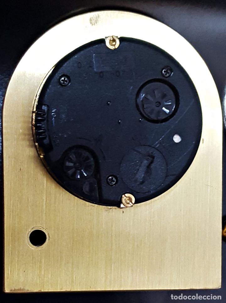 Despertadores antiguos: Antiguo Reloj despertador dorado y de metal. - Foto 7 - 179538415