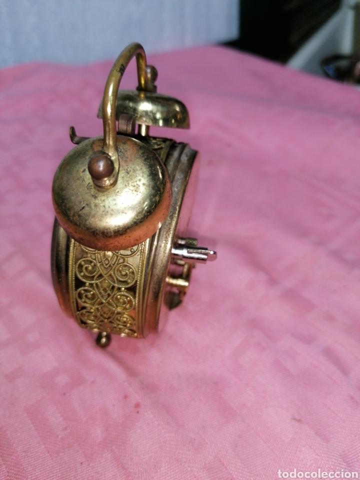 Despertadores antiguos: Reloj despertador de metal funcionando - Foto 2 - 181450965