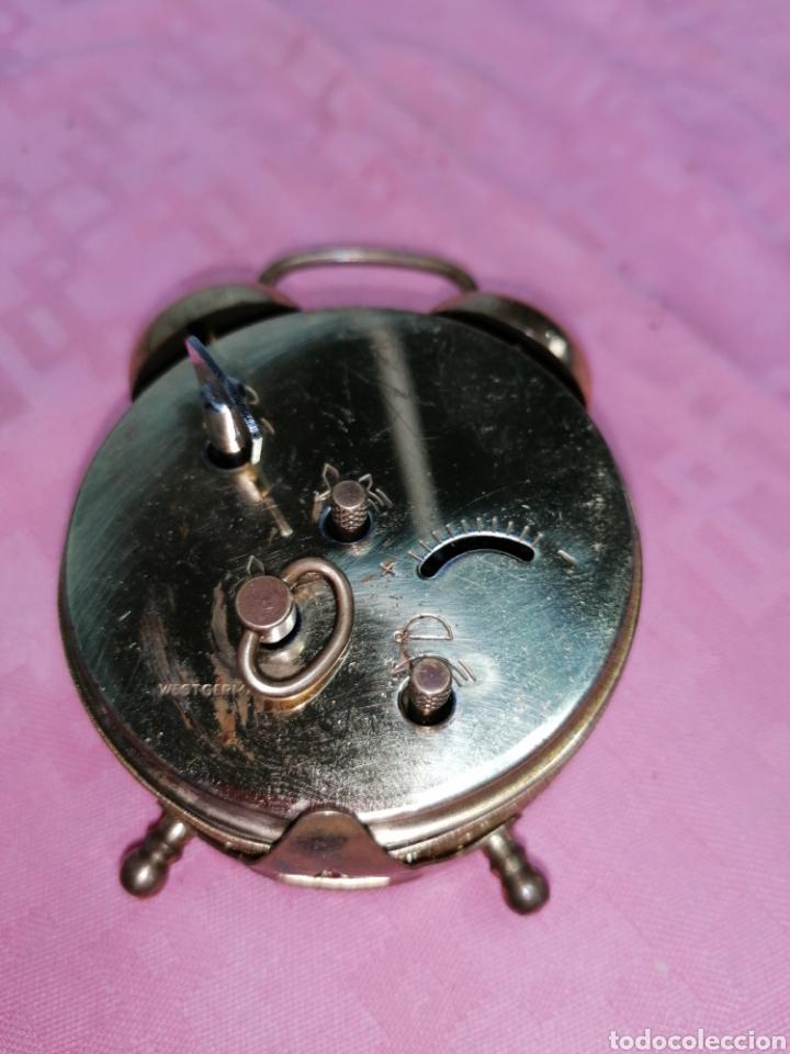 Despertadores antiguos: Reloj despertador de metal funcionando - Foto 6 - 181450965