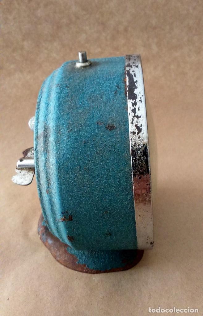 Despertadores antiguos: Antiguo reloj despertador publicitario Pikolin, el famoso colchón de muelles. 50-60s Para restaurar. - Foto 6 - 182077673