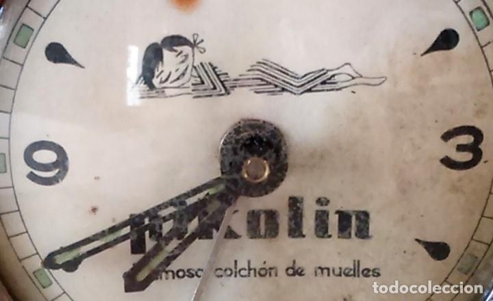 Despertadores antiguos: Antiguo reloj despertador publicitario Pikolin, el famoso colchón de muelles. 50-60s Para restaurar. - Foto 7 - 182077673