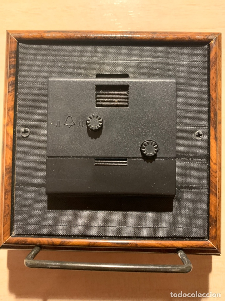 Despertadores antiguos: Bonito reloj despertador de Quarz en madera y chapa de plata - Foto 2 - 182804428