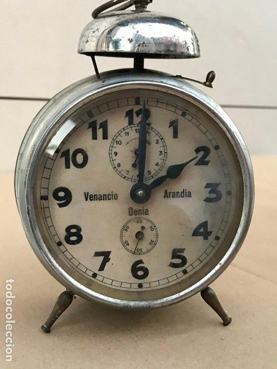 RELOJ DESPERTADOR VENANCIO ARANDIA DENIA - MARCADO M&C.B - FUNCIONANDO (Relojes - Relojes Despertadores)