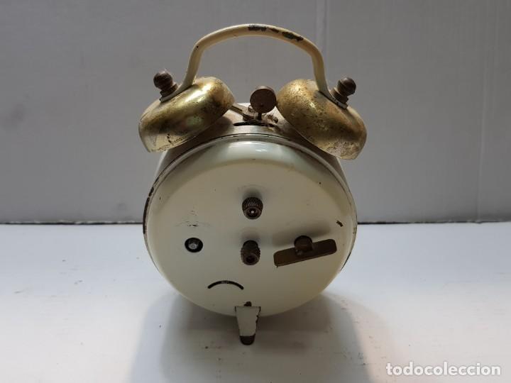 Despertadores antiguos: Reloj despertador doble campana PETER Alemán funcionando - Foto 2 - 184054072