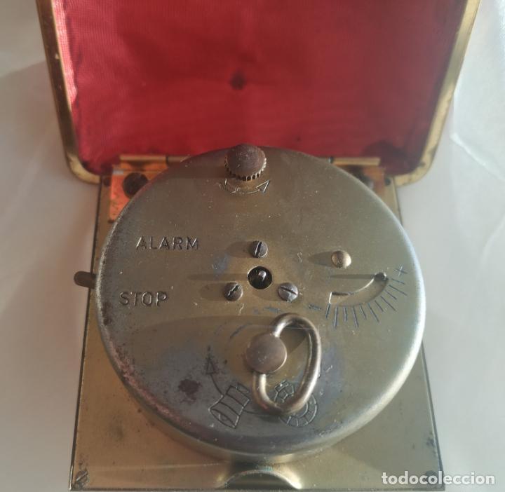 Despertadores antiguos: Reloj despertador de viaje Europa. Carga manual. Funciona - Foto 5 - 189700106