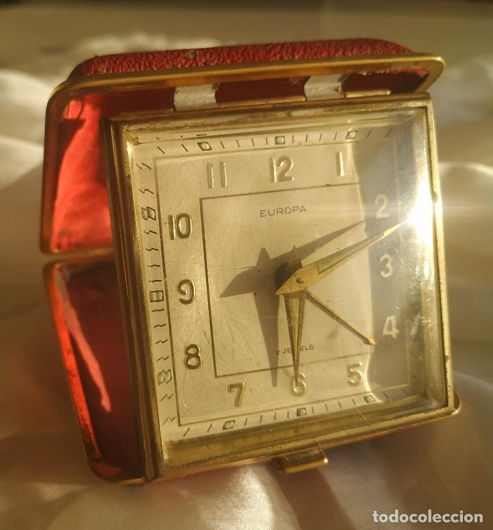 RELOJ DESPERTADOR DE VIAJE EUROPA. CARGA MANUAL. FUNCIONA (Relojes - Relojes Despertadores)