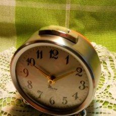 Despertadores antiguos: IMPECABLE RELOJ DESPERTADOR MICRO. AÑOS 60. FUNCIONANDO TODO. (ACERO). DESCRIPCION Y FOTOS.. Lote 191142037