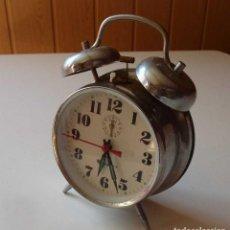 Despertadores antiguos: DESPERTADOR DE MESITA LIVSTAR, MAQUINARIA MECÁNICO DE CUERDA 80 AÑOS. Lote 191166455