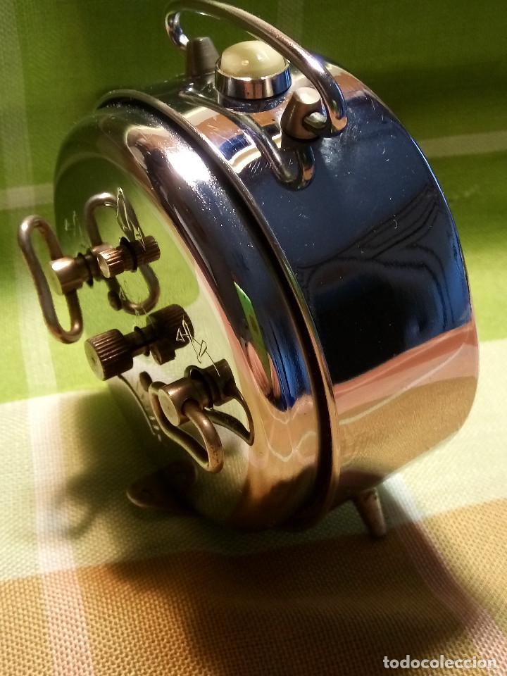 RELOJ DESPERTADOR. AÑOS 70. FUNCIONANDO TODO. ZAFIRO. EXCELENTE CROMADO. DESCRIPCION Y FOTOS. (Relojes - Relojes Despertadores)