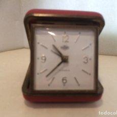 Despertadores antiguos: RELOJ DESPERTADOR DE VIAJE ROMAN - FUNCIONA. Lote 192585941