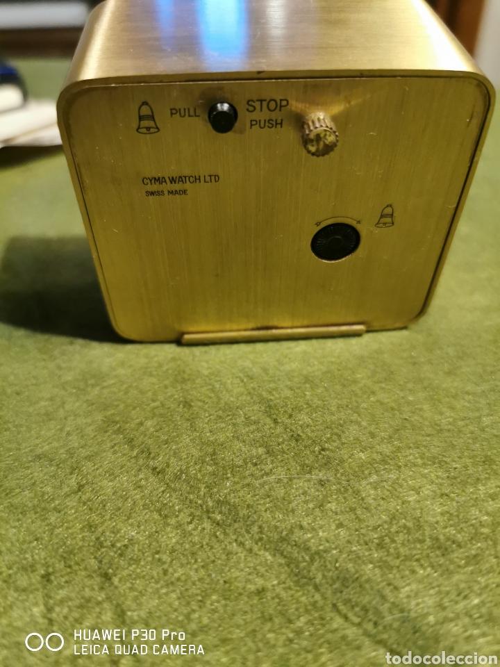 Despertadores antiguos: Reloj despertador Cyma de color dorado - Foto 2 - 194525062