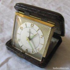Despertadores antiguos: RELOJ DESPERTADOR DE VIAJE SETH THOMAS, CAJA EN PIEL. Lote 194965761
