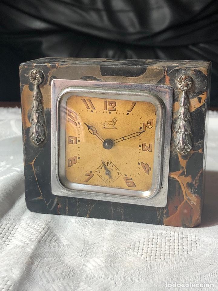 RELOJ DE DESPIERTADOR SOBREMESA BREVETE MARMOL 10X8X4CM DESPIECE O REPARAR (Relojes - Relojes Despertadores)