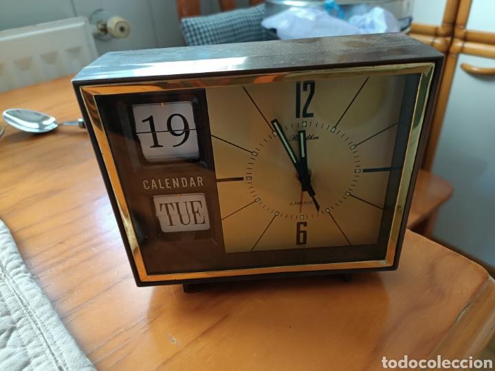 RELOJ SOBREMESA DESPERTADOR CALENDARIO VINTAGE RETRO RHYTHM (Relojes - Relojes Despertadores)