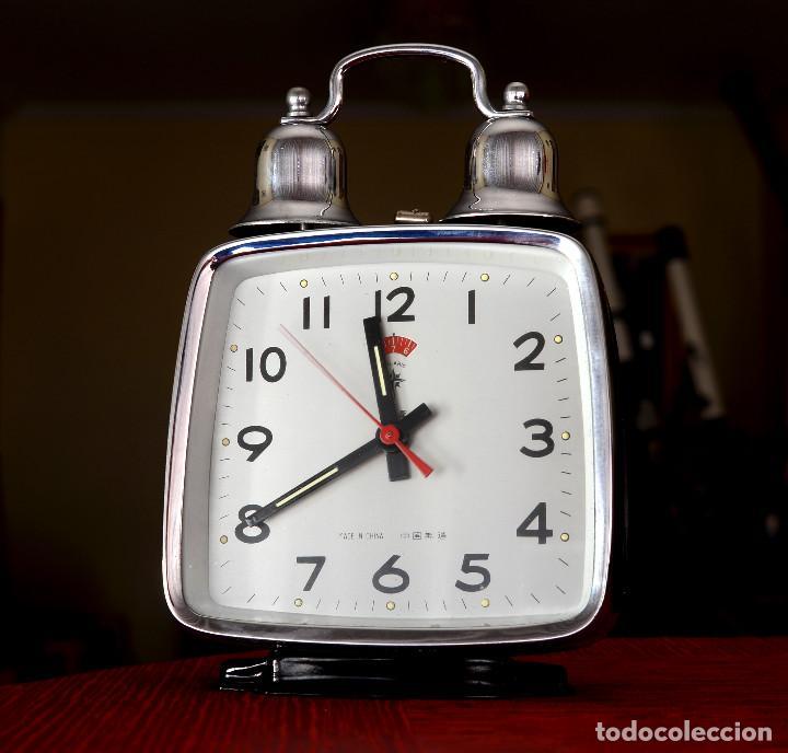 DESPERTADOR CHINO A CUERDA POLARIS, DOS CAMPANAS, AÑOS 70 (Relojes - Relojes Despertadores)