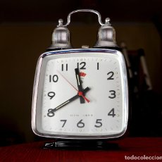 Despertadores antiguos: DESPERTADOR CHINO A CUERDA POLARIS, DOS CAMPANAS, AÑOS 70. Lote 195268517