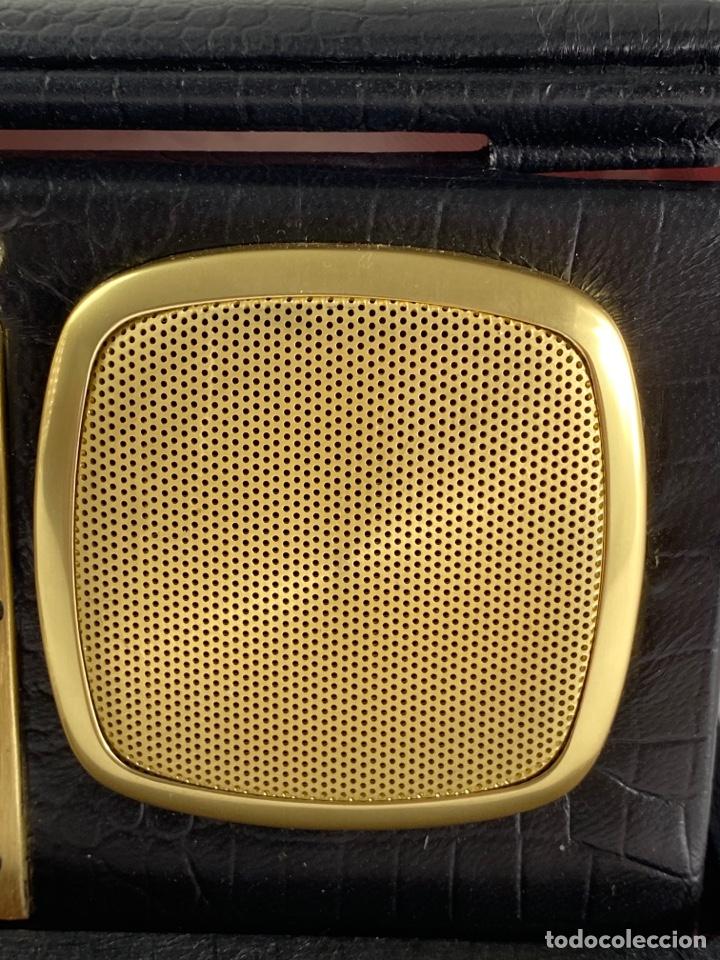 Despertadores antiguos: RADIO RELOJ DESPERTADOR KENTON. AÑOS 60. - Foto 4 - 195375678