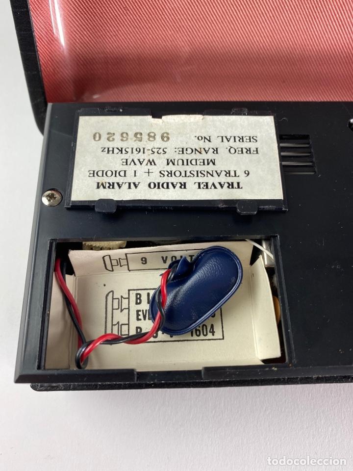 Despertadores antiguos: RADIO RELOJ DESPERTADOR KENTON. AÑOS 60. - Foto 6 - 195375678