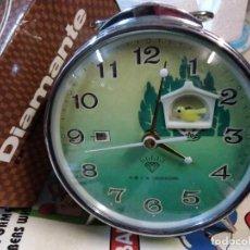 Despertadores antiguos: RELOJ DESPERTADOR VINTAGE DIAMOND DE CUERDA CARGA MANUAL AÑOS 60 EN SU CAJA. Lote 203822927