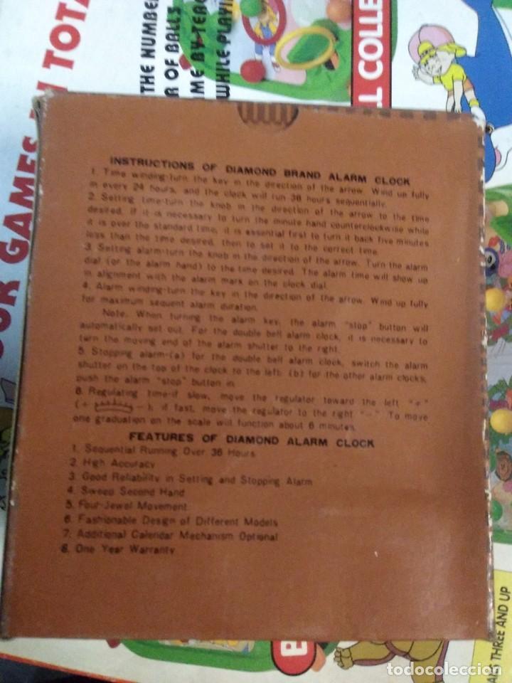 Despertadores antiguos: RELOJ DESPERTADOR VINTAGE DIAMOND DE CUERDA CARGA MANUAL AÑOS 60 en su caja - Foto 2 - 195585485