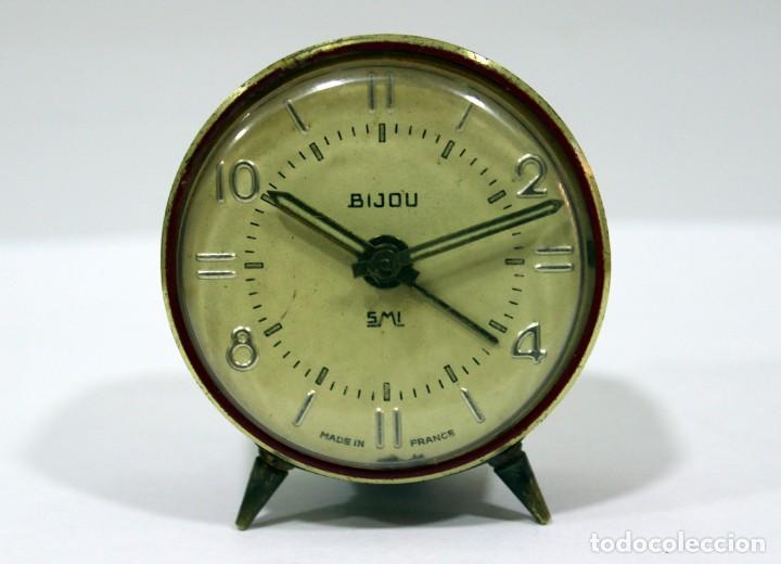 PEQUEÑO RELOJ DESPERTADOR BIJOU. FUNCIONANDO PERFECTO. (Relojes - Relojes Despertadores)