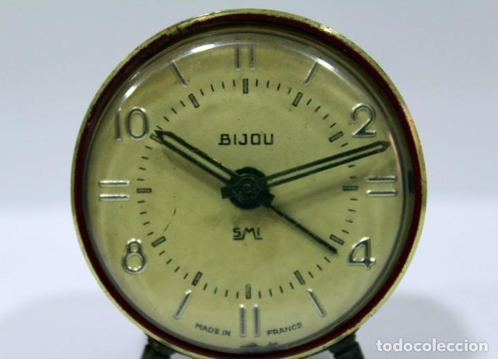Despertadores antiguos: Pequeño Reloj despertador BIJOU. FUNCIONANDO PERFECTO. - Foto 2 - 196529360