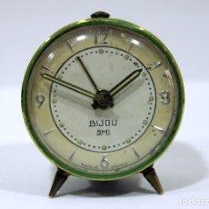 Despertadores antiguos: PEQUEÑO RELOJ DESPERTADOR BIJOU. AÑOS 1960.. Lote 196531800