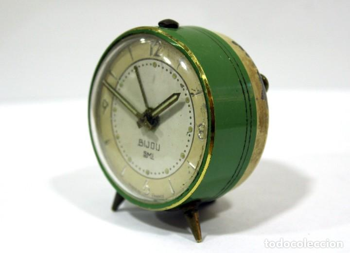 Despertadores antiguos: Pequeño Reloj despertador BIJOU. Años 1960. - Foto 2 - 196531800