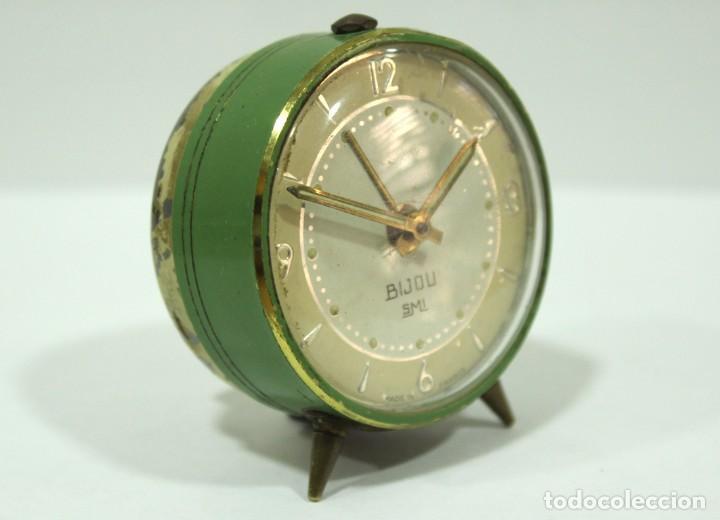 Despertadores antiguos: Pequeño Reloj despertador BIJOU. Años 1960. - Foto 3 - 196531800