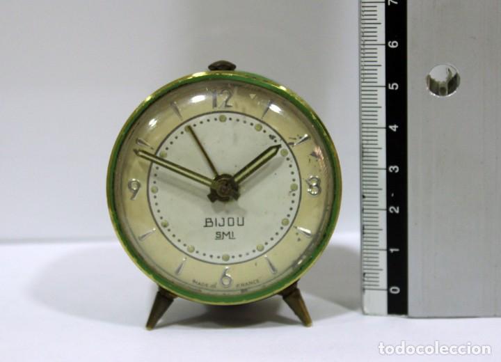 Despertadores antiguos: Pequeño Reloj despertador BIJOU. Años 1960. - Foto 6 - 196531800