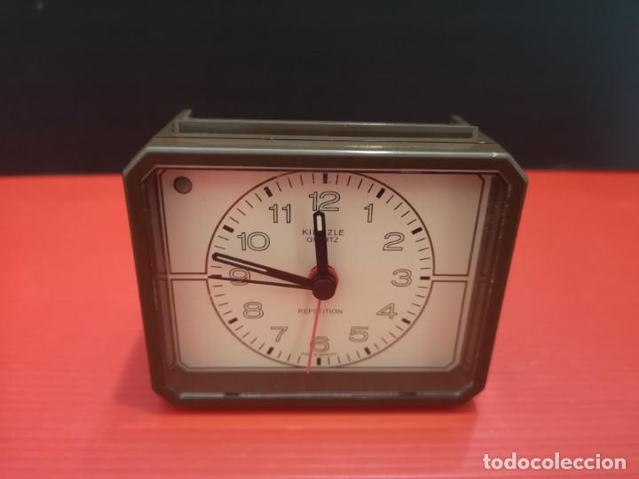 Despertadores antiguos: Reloj despertador kienzle con luz linterna. Años 80. Funcionando. Vintage - Foto 6 - 198474412