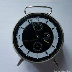 Despertadores antiguos: DESPERTADOR MECANICO MARCA REGULADORA NOS NEGRO GRIS (NEW OLD STOCK). Lote 218221547