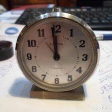 Despertadores antiguos: ANTIGUO RELOJ DESPERTADOR A CUERDA EUROPA CROMADO 7 X 6.5 CM. FUNCIONANDO. Lote 201491388