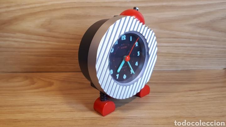 Despertadores antiguos: Reloj despertador infantil rhythm. Vintage y funcionando. de finales de los 80 o años 90, - Foto 2 - 202315696