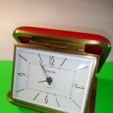 Despertadores antiguos: DESPERTADOR EUROPA. AÑOS 60. MODELO RECTANGULAR. FUNCIONANDO. DESCRIPCION Y FOTOS.. Lote 202567948