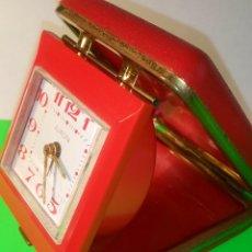 Despertadores antiguos: RELOJ DESPERTADOR DE VIAJE - EUROPA. FUNCIONANDO. PRECIOSO EN CONJUNTO. DESCRIPCION Y FOTOS.. Lote 202672905