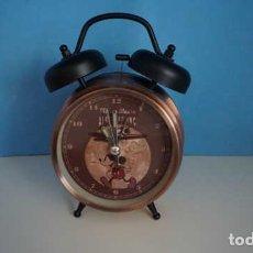 Despertadores antiguos: RELOJ DESPERTADOR DISEÑO RETRO DE MICKEY Y MOUSE. Lote 203157312