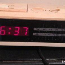 Despertadores antiguos: ANTIGUA RADIO DESPERTADOR SONY. Lote 203627640
