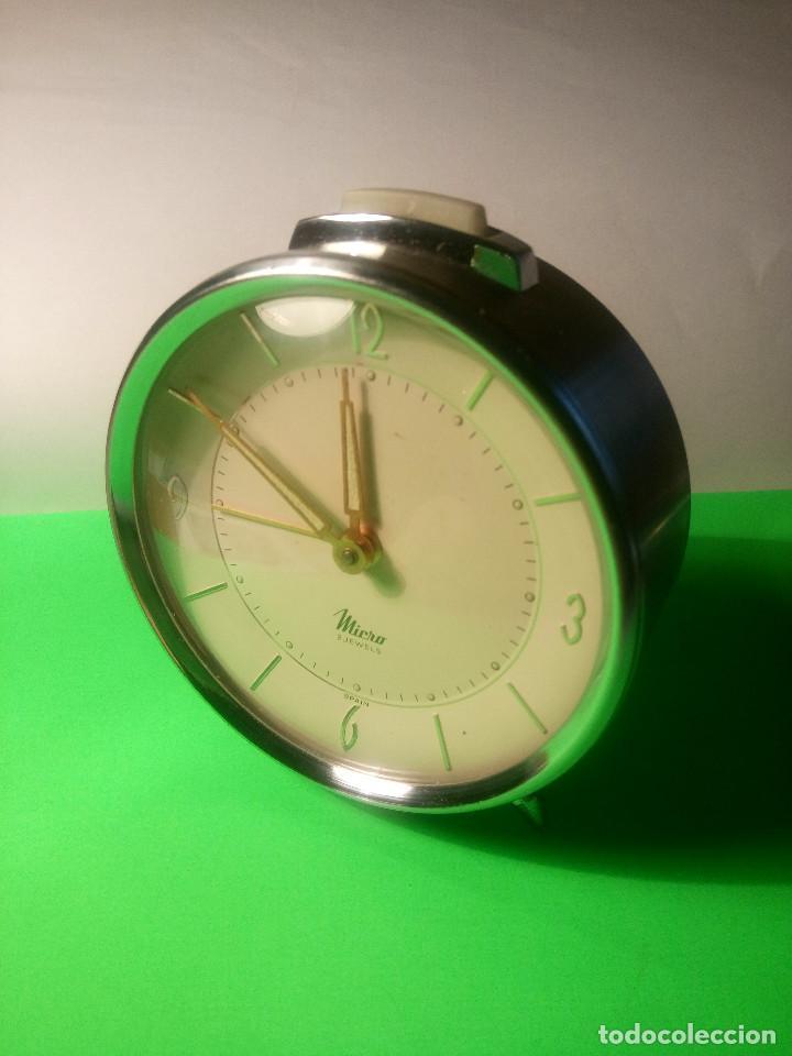 Despertadores antiguos: DESPERTADOR MICRO. FUNCIONANDO. TODO EN METAL ACERO. 9 x 10 DESCRIPCION Y FOTOS.N - Foto 14 - 204116178