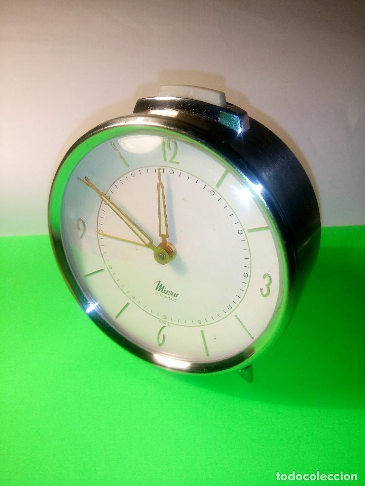 Despertadores antiguos: DESPERTADOR MICRO. FUNCIONANDO. TODO EN METAL ACERO. 9 x 10 DESCRIPCION Y FOTOS.N - Foto 3 - 204116178